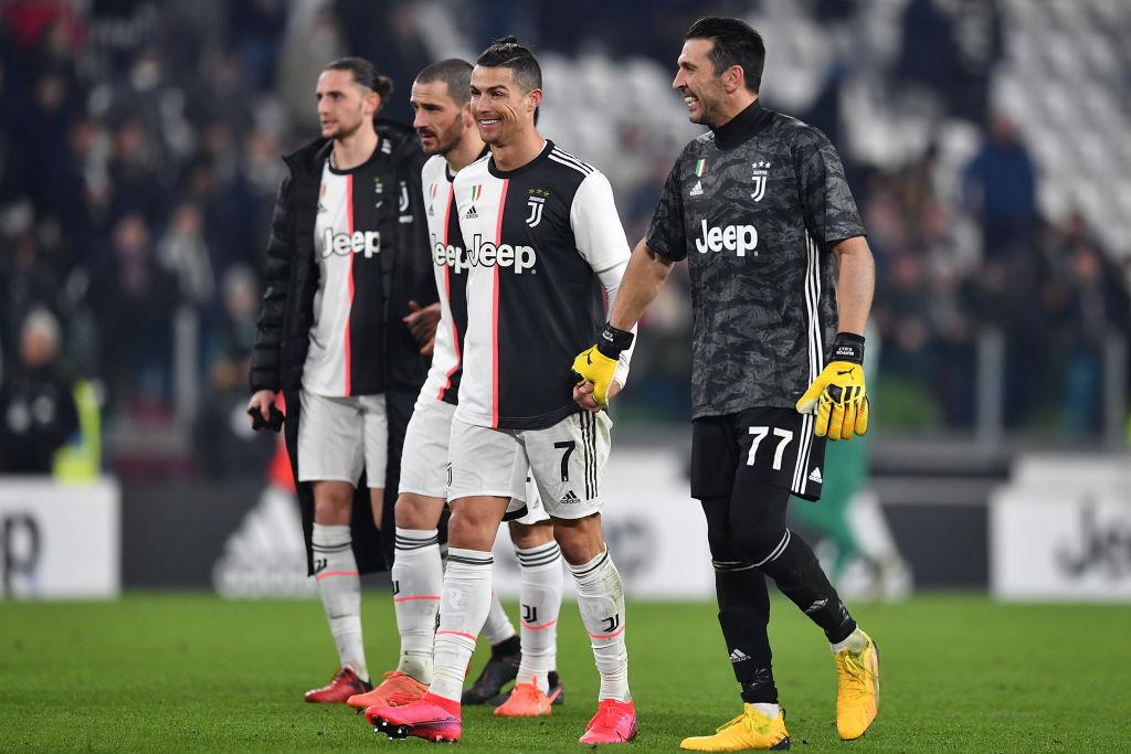 """""""Mogłeś oszczędzić mi kilku..."""". Gianluigi Buffon żartuje z Cristiano Ronaldo - Sport WP SportoweFakty"""