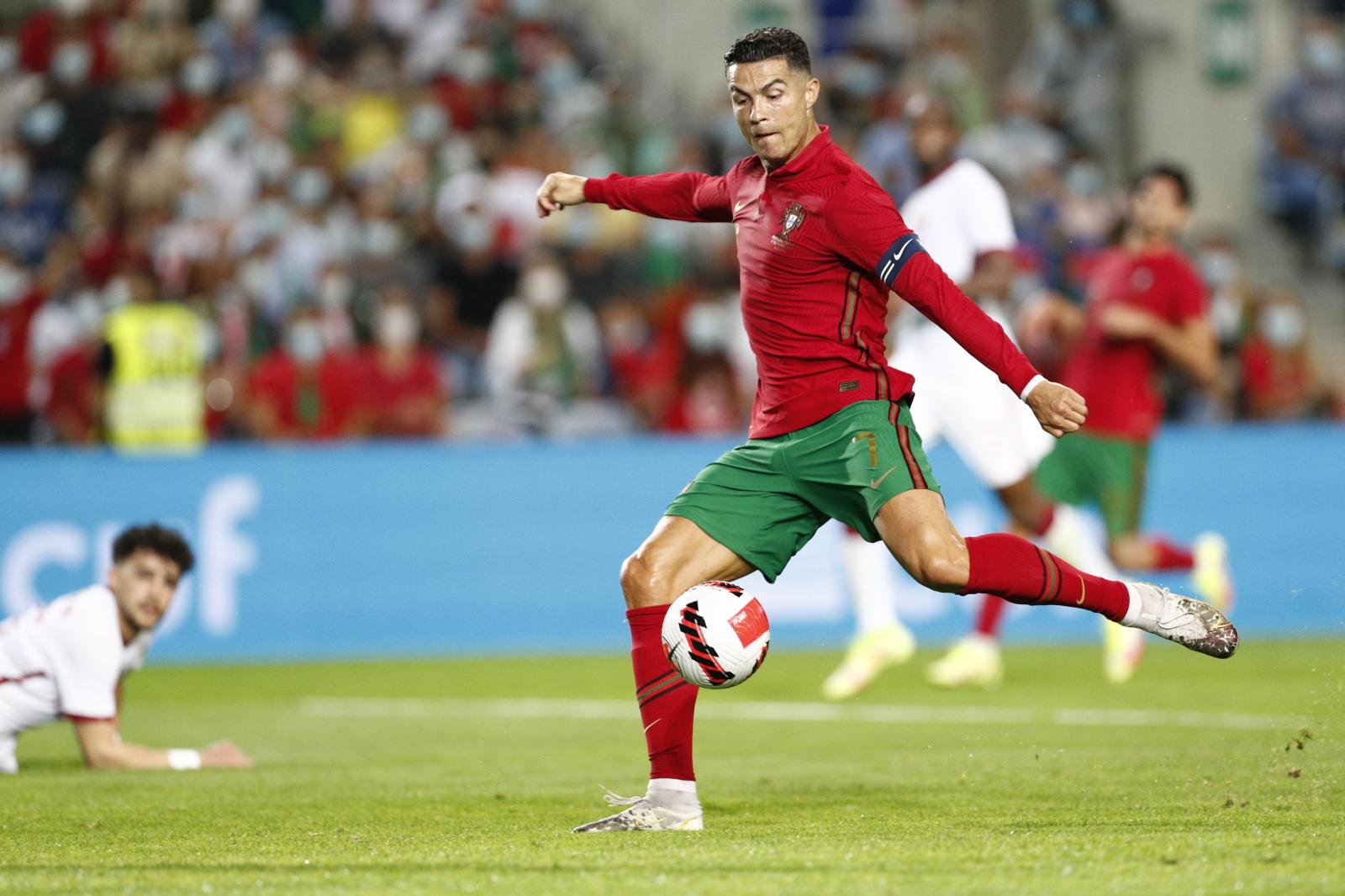 Cristiano Ronaldo śrubuje rekordy. Dorzucił kolejny skalp do swojej kolekcji - Sport WP SportoweFakty